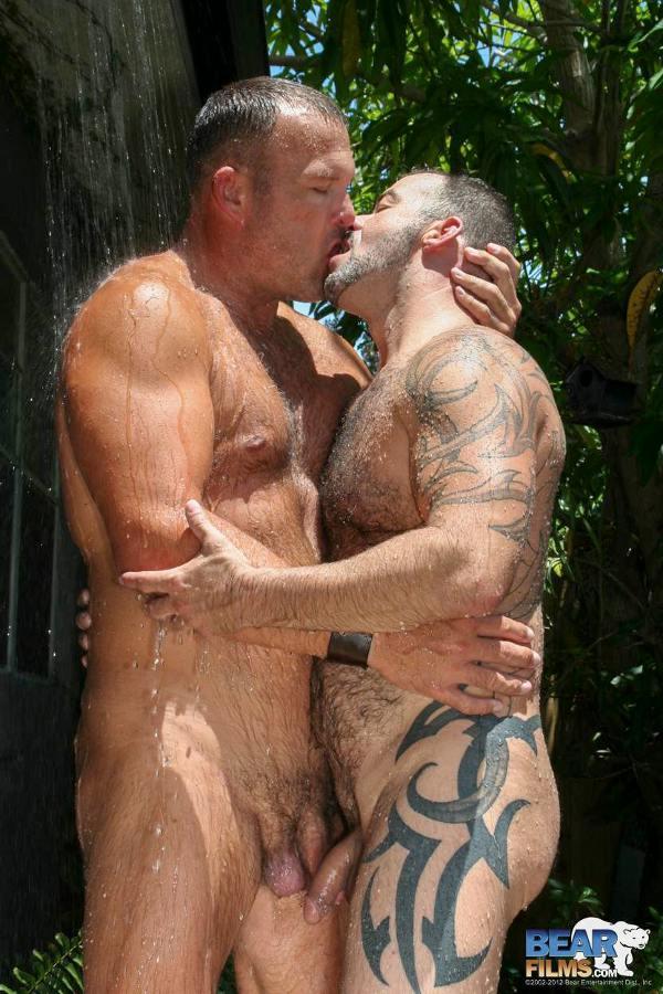 daddy gay poilu grosse bite epaisse