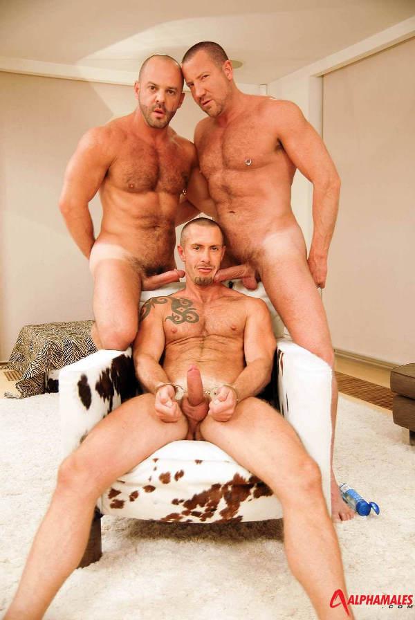 trio-gay